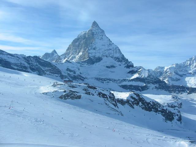 Ski en bas du Matterhorn
