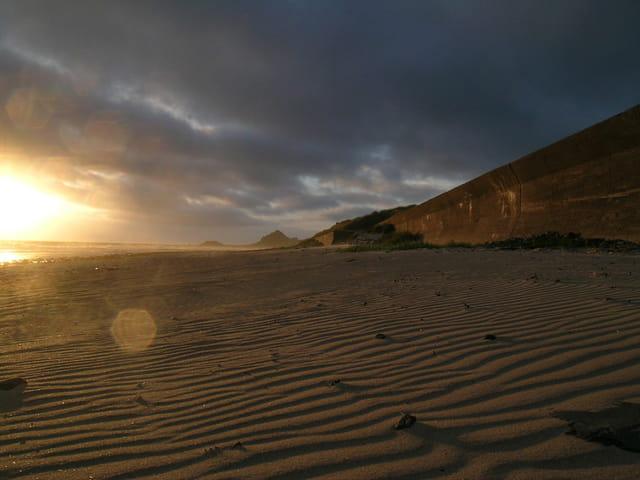 Soir d'été sur une plage de Jersey