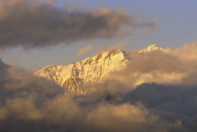 Soir tombant sur les montagnes