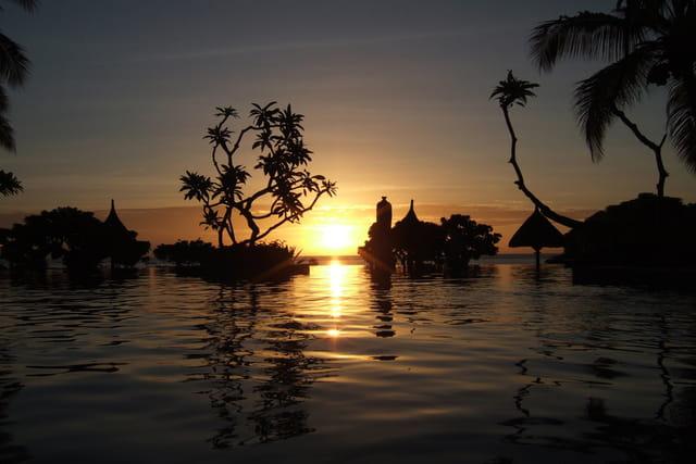 Soleil couchant sur l'océan indien