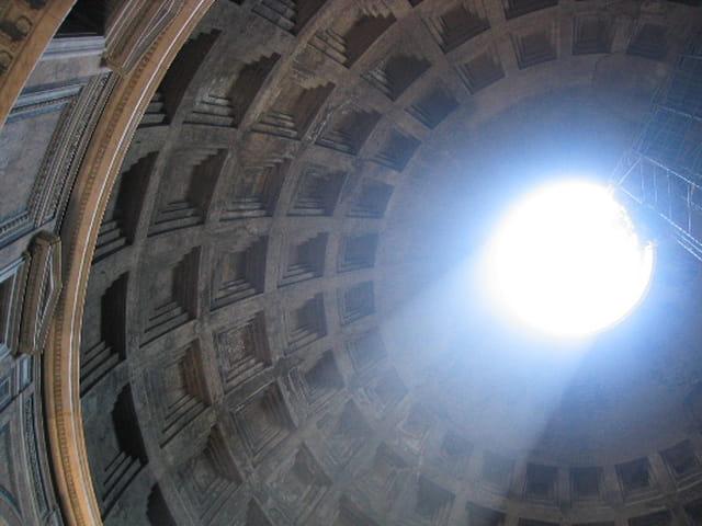 Plongeon de lumière au Panthéon