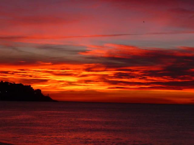Soleil Rouge à Nice