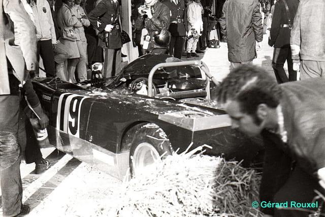 Sortie de Piste Lola T 290 Montlhéry octobre 1970
