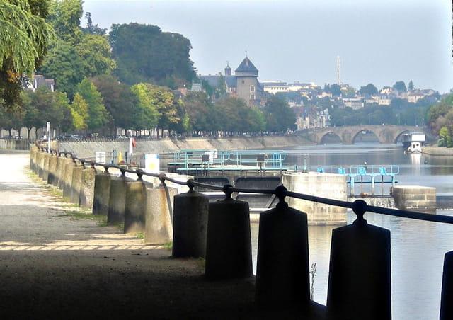 """""""Sous le Pont D'Avesnière..."""