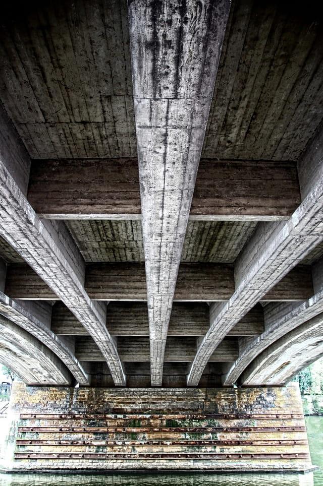 Sous le Pont des Alliés