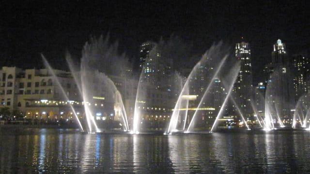 Spectacle de sons et lumières des fontaines de Dubaï