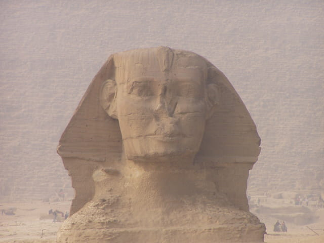 Sphinx dans la brume