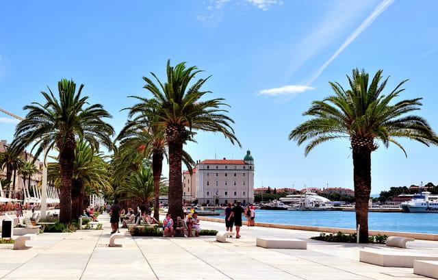 Split, la promenade du bord de mer.