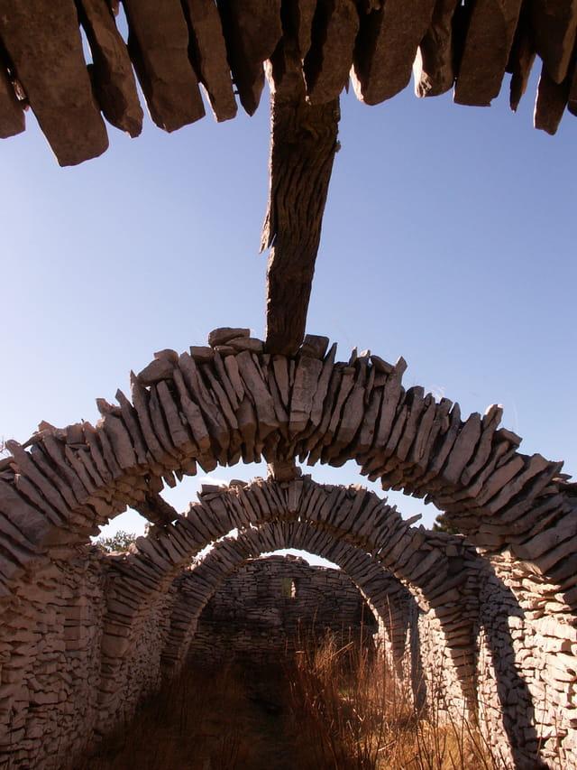 Squelette de bergerie dans le Contadour