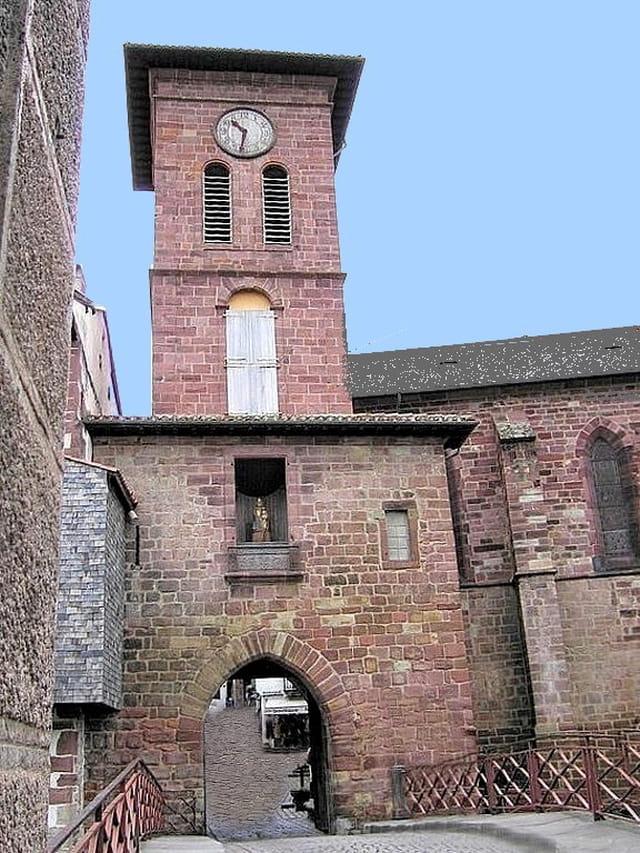 St.Pied de Port (L\'église)