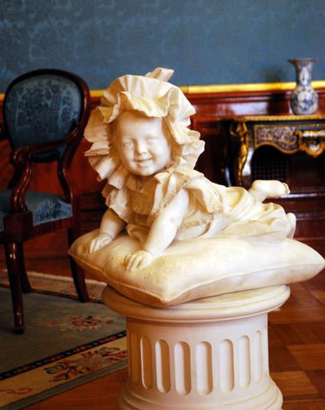 statue d'enfant