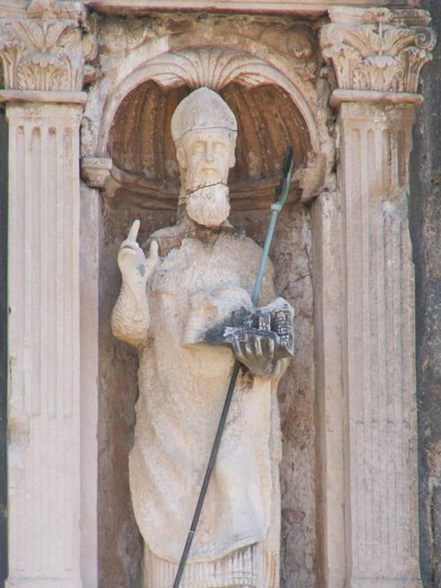 Statue de St Blaise