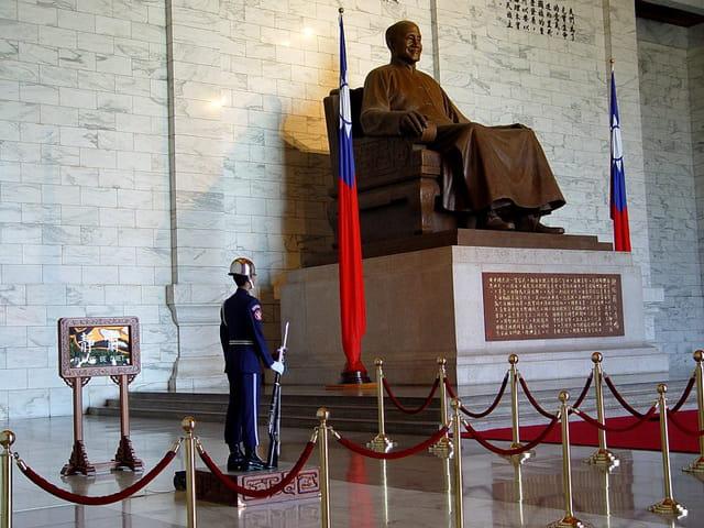 Statue de tchang kai-chek