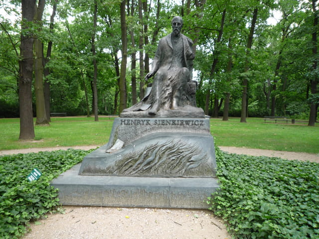 Statue  Henryka Sienkiewicza
