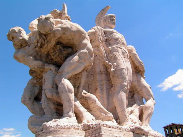 Statue ponte vittorio emanuele 2