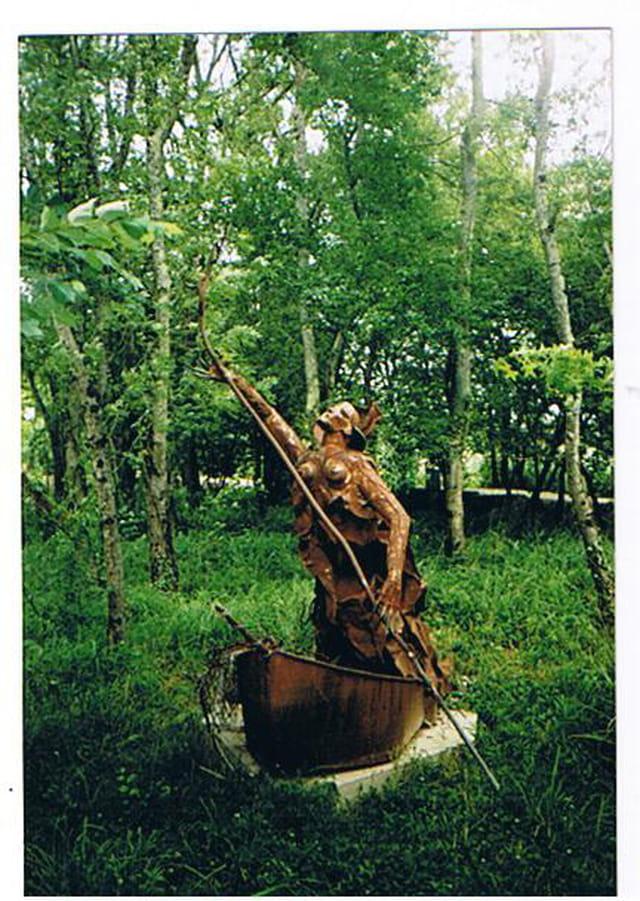 statue sortie des  marécages