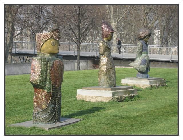 Statues au parc de bercy