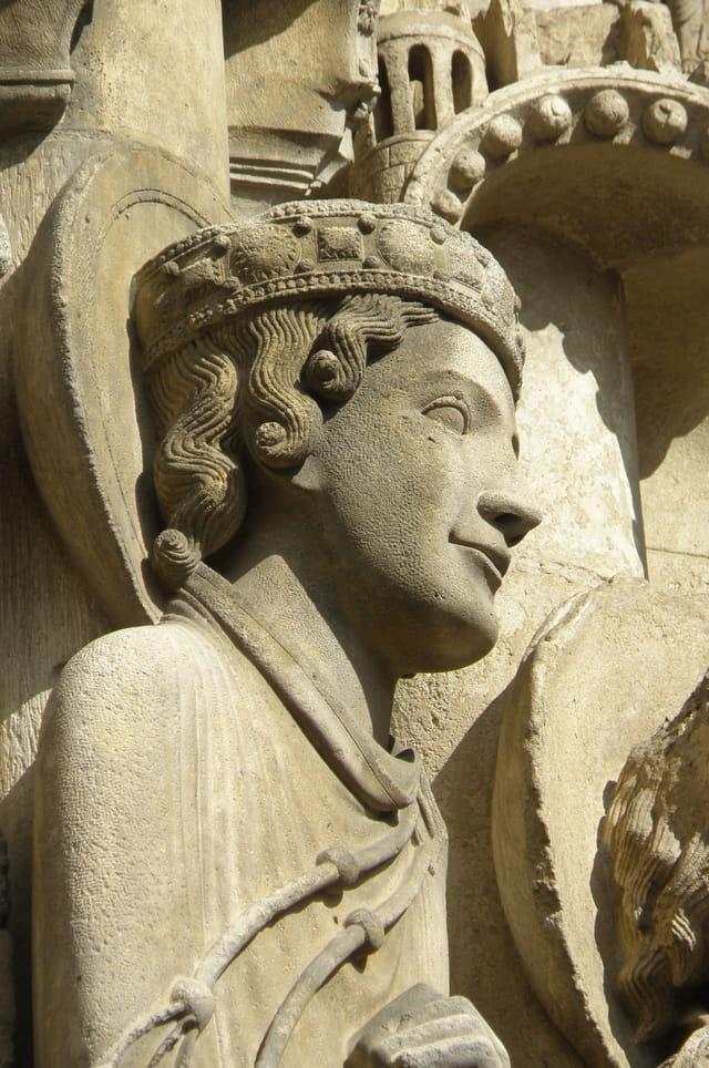 Statues colonnes de Chartres