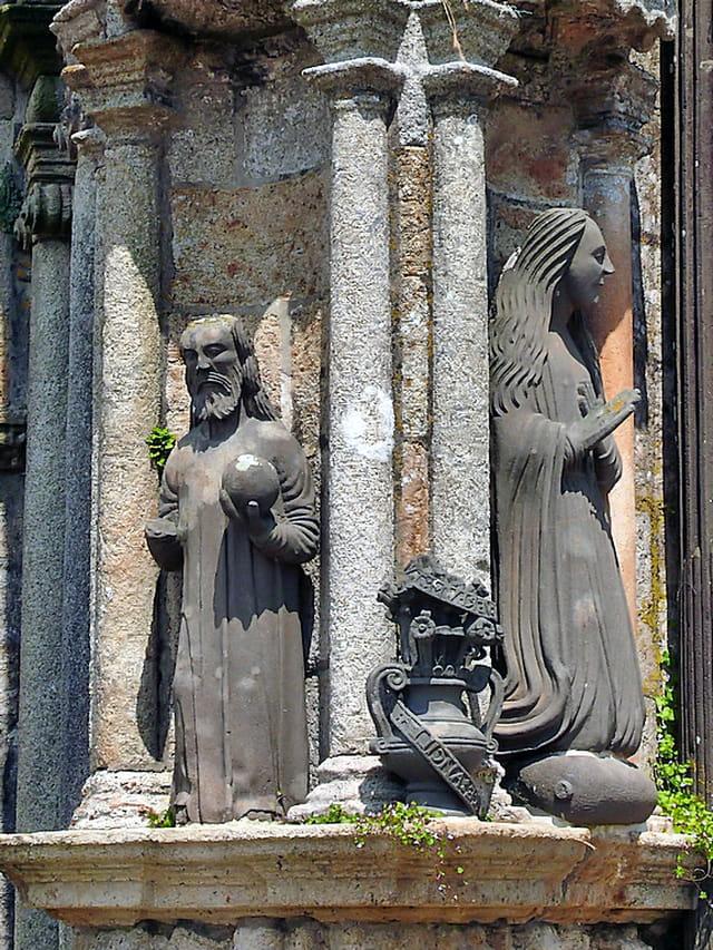 Statues d'époque