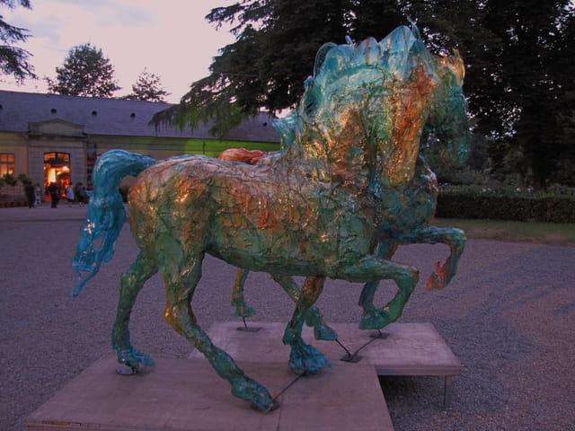 Statues equestres.