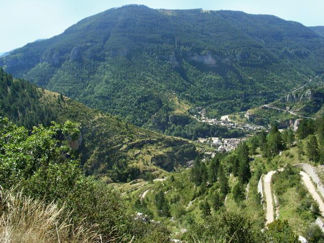 Ste Enimie panorama vallée du Tarn