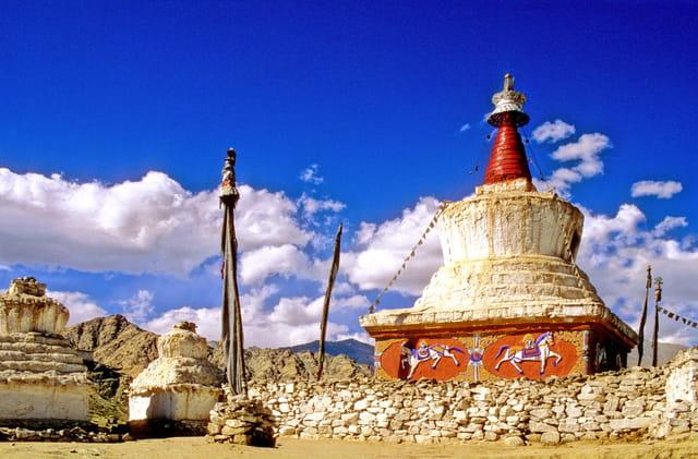 Stupa surplombant Leh