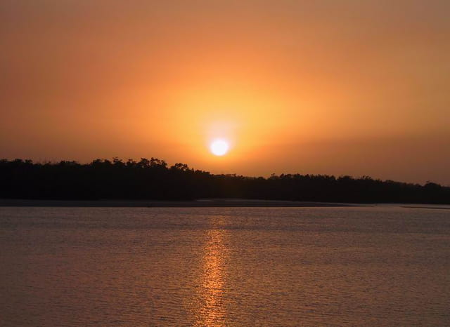 Sunset sur le bras de mer Diakène