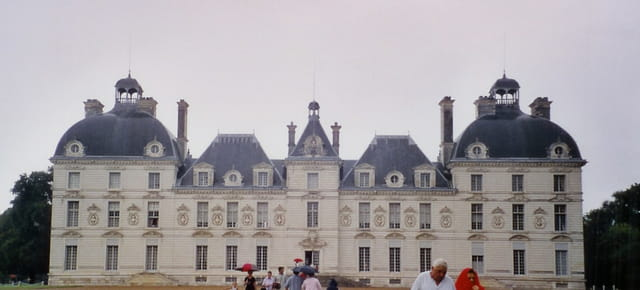 Supprimez mes deux extrémités et vous trouvez le château de Moulinsart