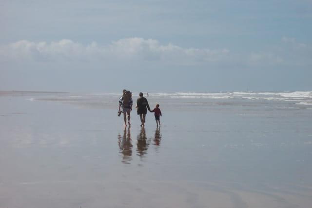 Sur la plage abandonnèe ... .......