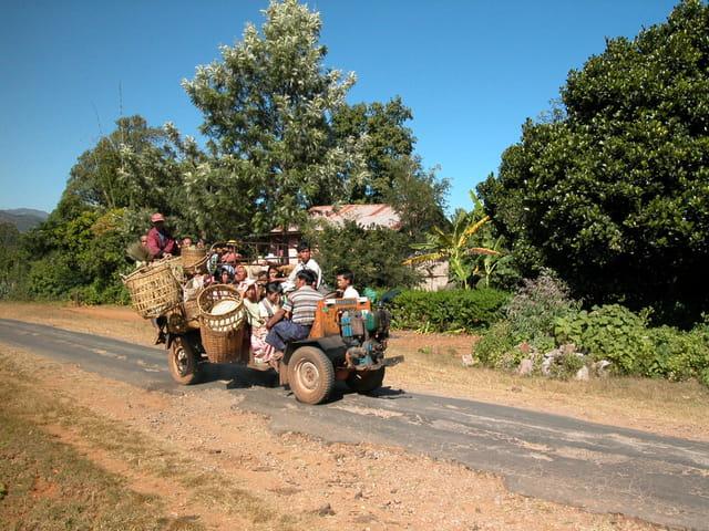 sur la route de Pindaya