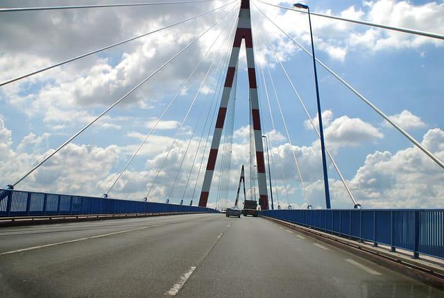 Sur la route du pont de St Nazaire