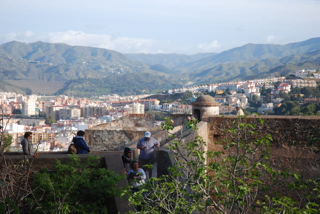 sur le chemin de ronde de la forteresse de Gibralfaro