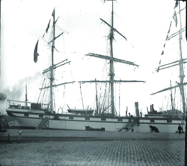 Sur le port (2)