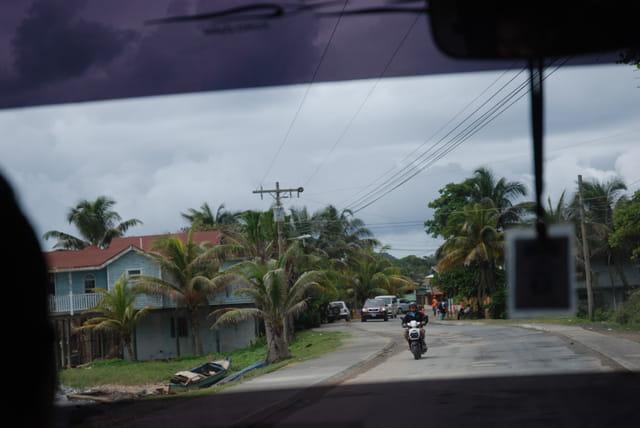 sur les routes de l'île de Roatan