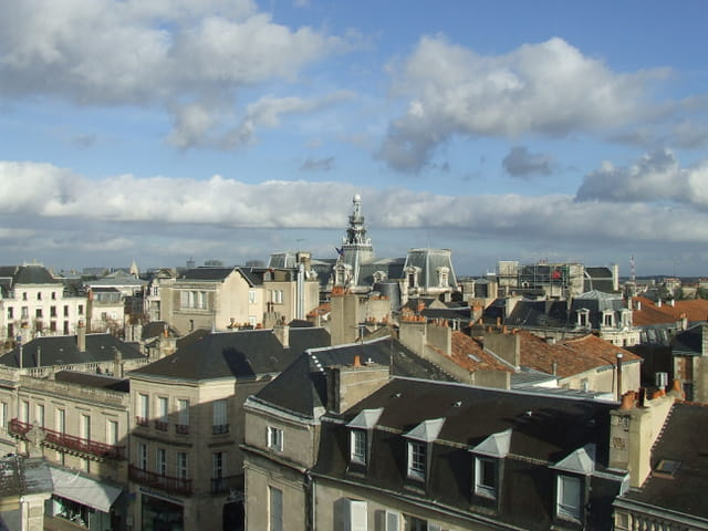 Sur les toits de Poitiers