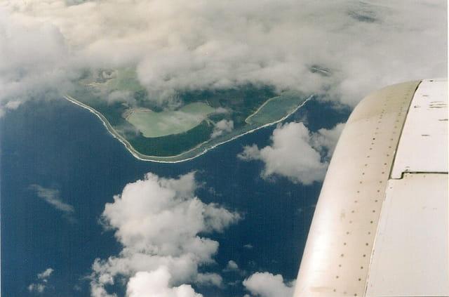 Survol d'un atoll