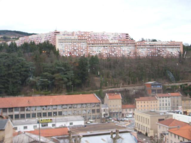 Tarare ville par jean francis scarnato sur l 39 internaute for Piscine de tarare