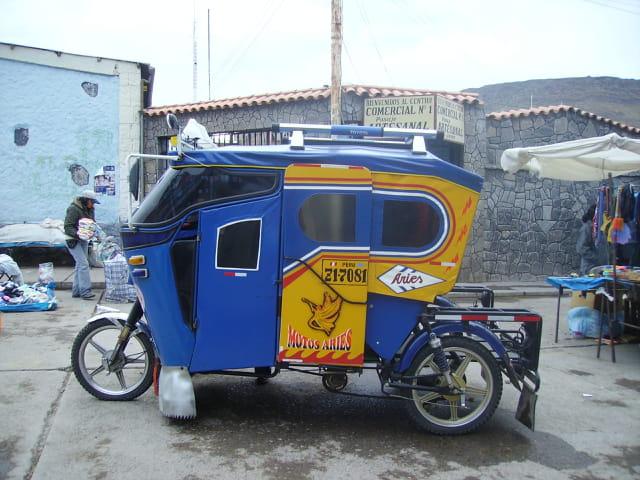 Taxi collectif à 3800m d'altitude au Pérou