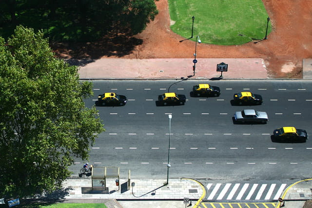 Taxis Jaunes & Noirs