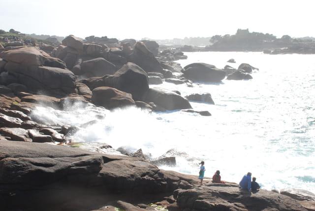 Tempête sur la côte de Granit Rose