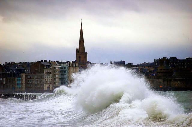Tempête sur Saint Malo