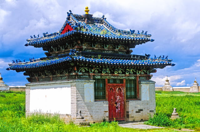 Temple aux tuiles vernissées