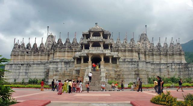 Temple Jaïn dédié à Adinatha