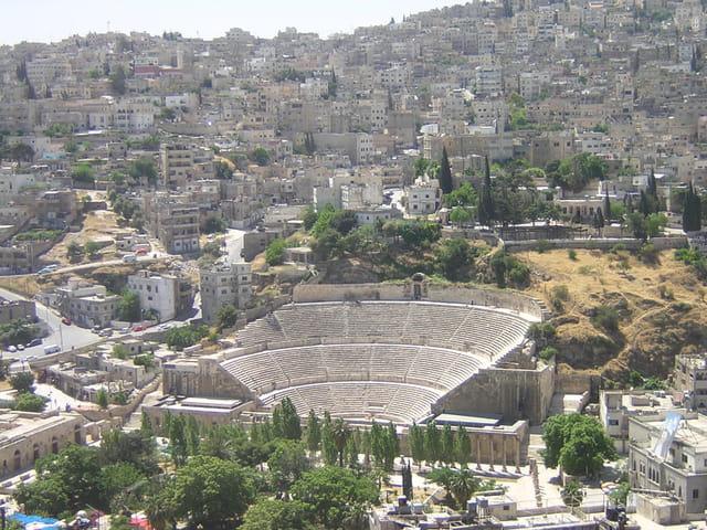 Théâtre romain au coeur de la cité