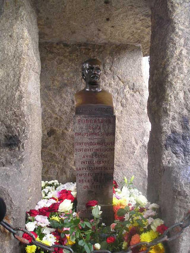 Tombe d'Allan Kardec