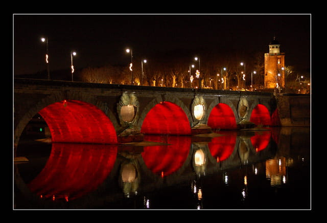Toulouse en rouge et noir