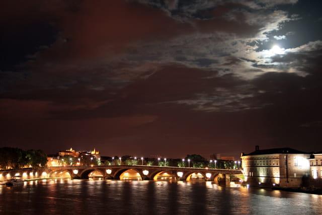Toulouse sous la Lune