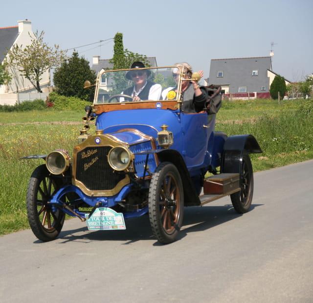 Tour de Bretagne 2008 des véhicules anciens