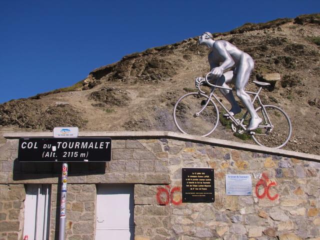 Tour de France - Stèle commémorative.