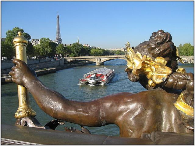 Tour effeil du pont alexandre iii
